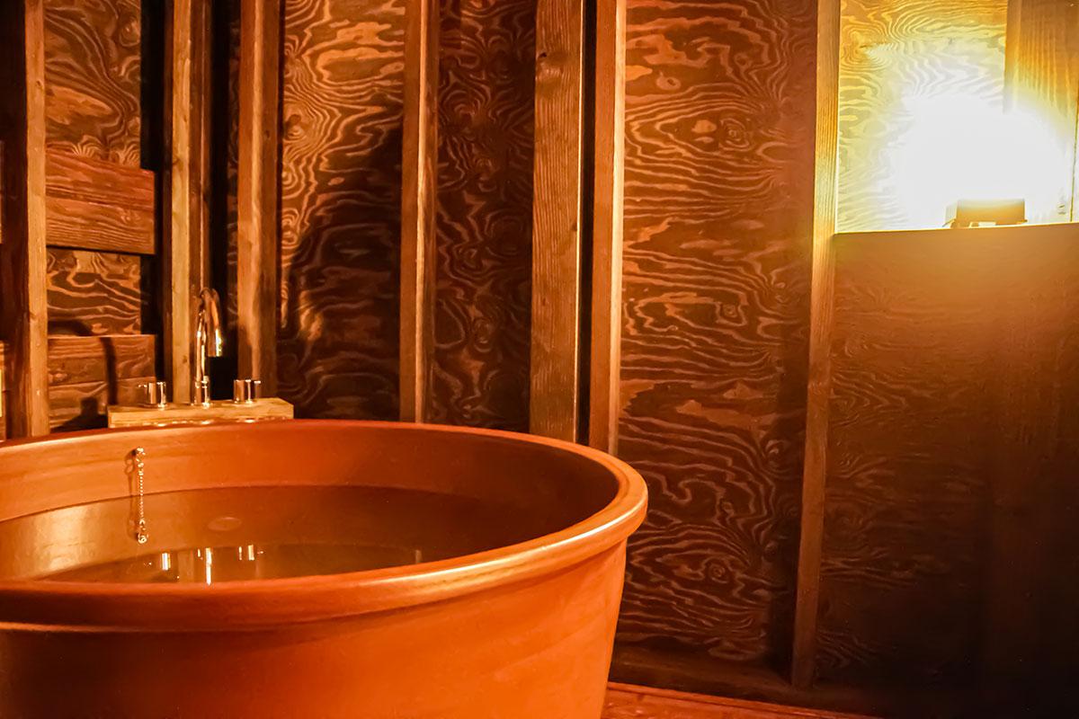 客室内天然温泉