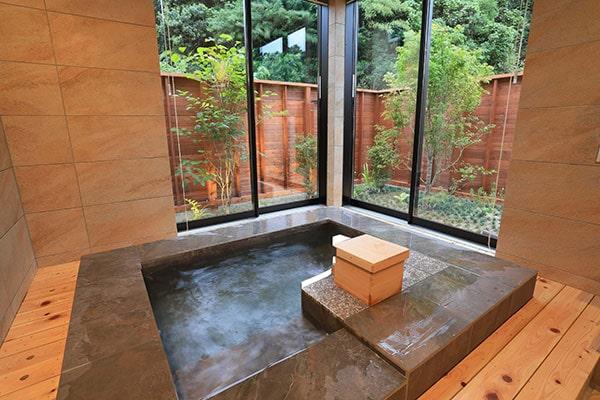 客室内温泉