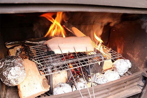 地魚の藁焼き